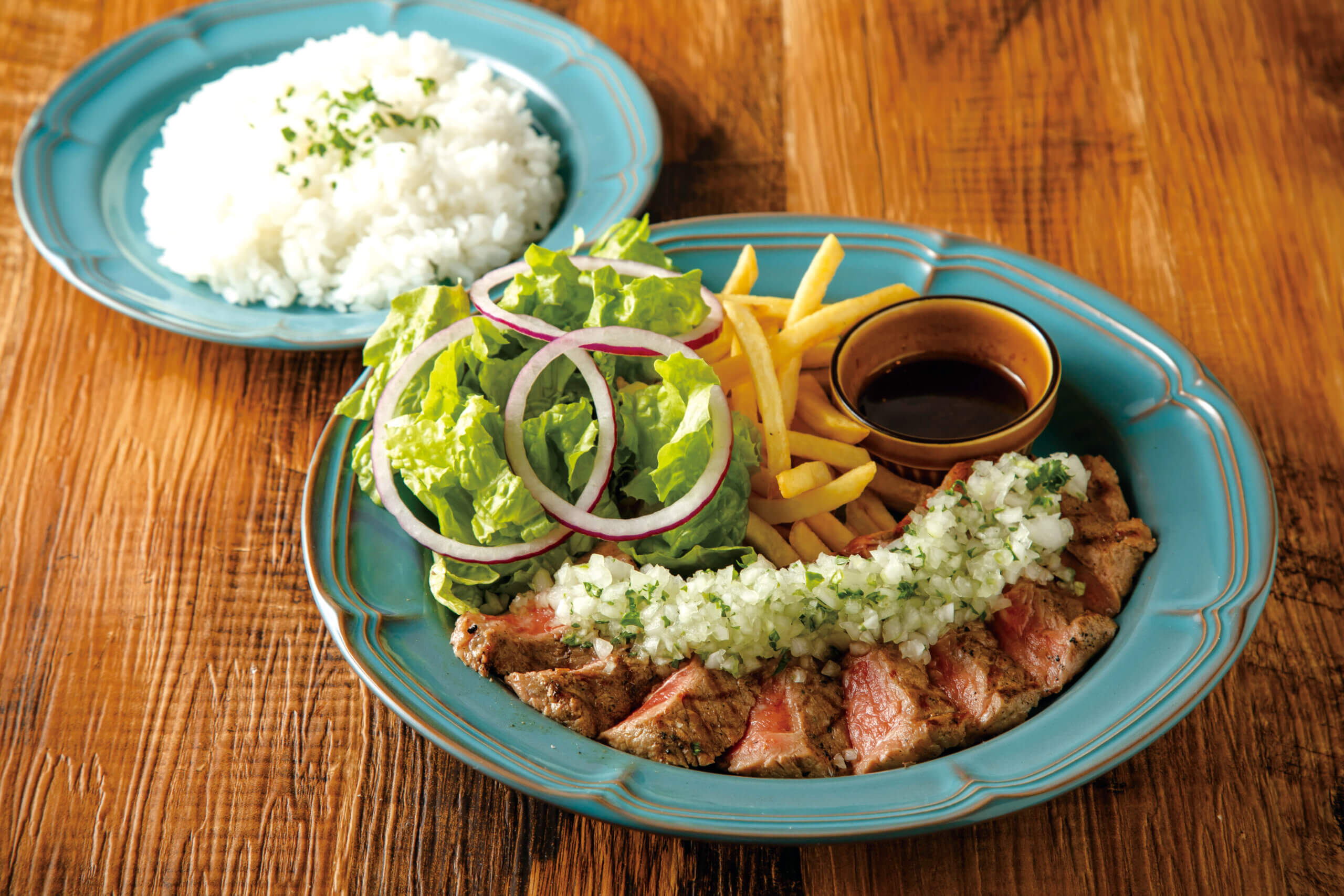 Sirloin Steak 200g<br /> *The Set Includes a Salad and French Fries.