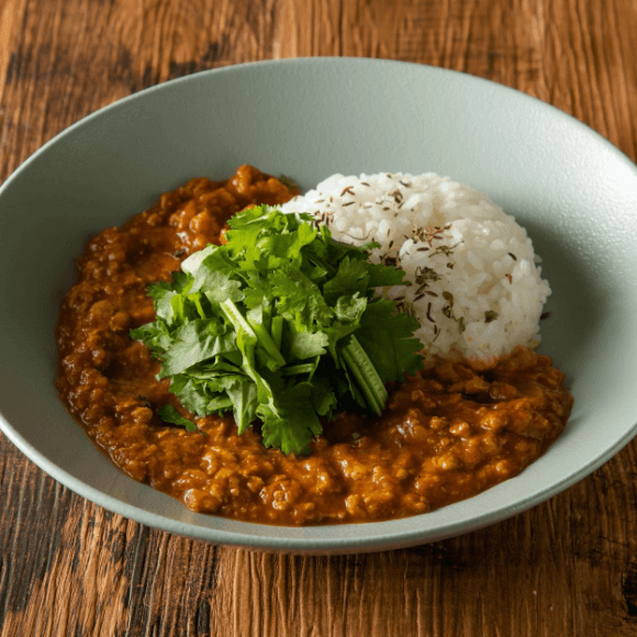 BASE Spicy Curry<br>The Set Includes a Salad.